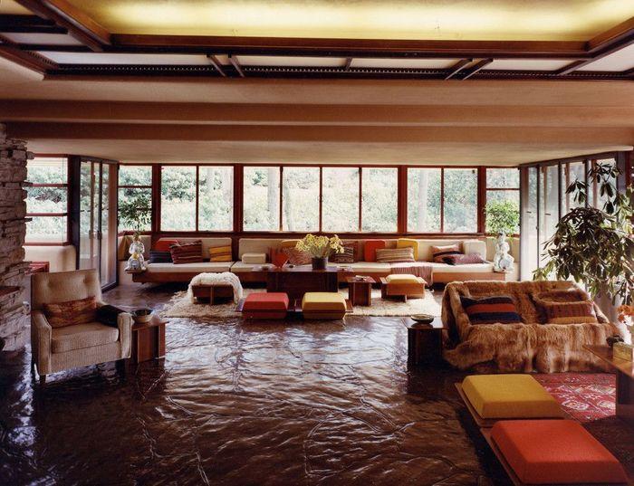 Toàn cảnh thân thuộc ấm áp của phòng khách Falling Water