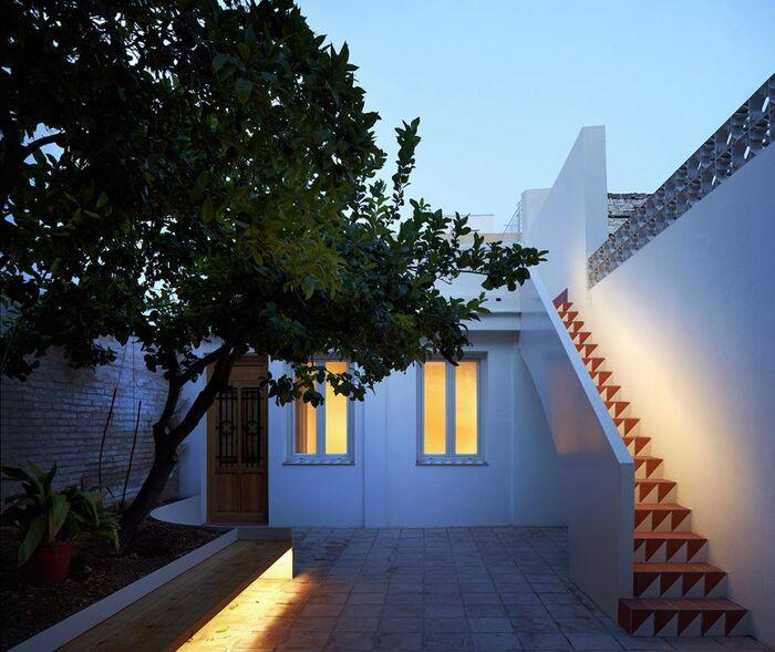 Phong cách Địa Trung Hải luôn tạo cảm giác an yên, thoải mái và bình dị cho gia chủ