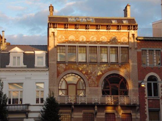 Khách sạn Ciamberlani là công trình kiến trúc mang phong cách Art Nouveau được xây dựng năm 1897