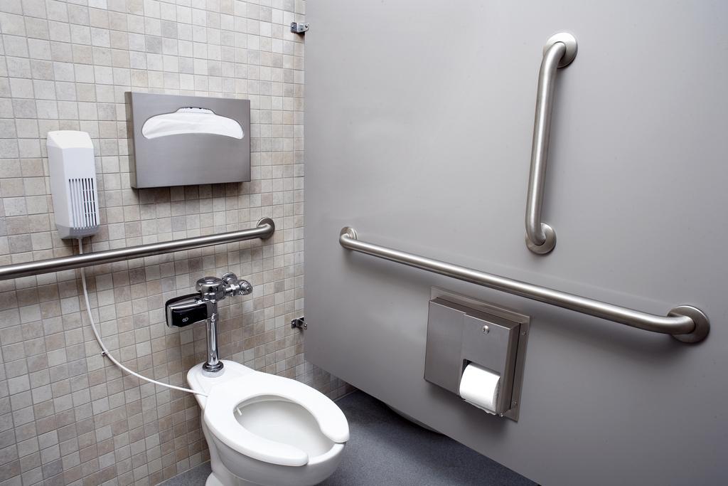 Thiết kế nội thất nhà vệ sinh cho người cao tuổi